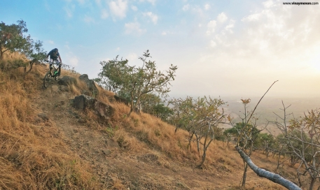 heat-lock-rider-photo-vinay-menon-2020-mountain-biking-in-india-1