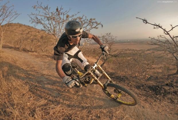 heat-lock-rider-photo-vinay-menon-2020-mountain-biking-in-india-3