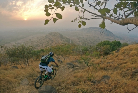 heat-lock-rider-photo-vinay-menon-2020-mountain-biking-in-india-4