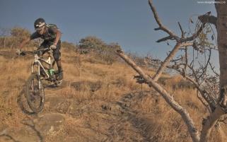 heat-lock-rider-photo-vinay-menon-2020-mountain-biking-in-india-5