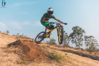 indian-national-mtb-downhill-championship-2021-rider-vinay-menon-photo-praveen-jayakaran-mountain-biking-in-india-3