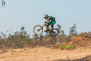 indian-national-mtb-downhill-championship-2021-rider-vinay-menon-photo-praveen-jayakaran-mountain-biking-in-india-4